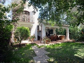 Charming semi-detached Villa 200 m blue flag natural reserve beach Marbella., Elviria