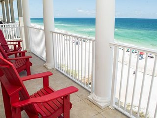 BEACH FRONT LUXURY HOME feat. Elevator and 3 Beach Front King Suites!, Miramar Beach