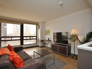 ★ Modern Downtown Suite - Great Location - Free Parking ★, Ottawa