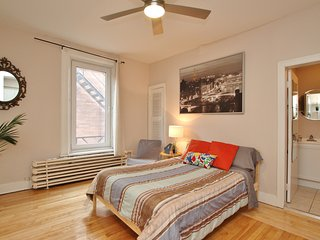 ★   Grand Studio Apartment - In the heart of Downtown Ottawa★