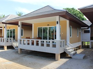 At Beach Pool & Brand New Bungalow