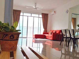 Sungai Ara Condo for Work or Leisure
