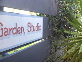 Garden Studio 4 min Walk to Husky Town!!, Huskisson