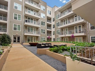 Perfect Apartment At The Perfect Location - Victory Park, Dallas