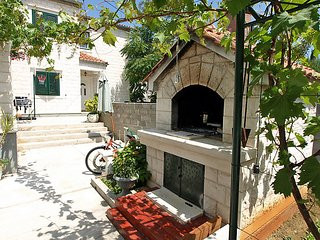 Zadar Holiday Home Sleeps 8 with Air Con and Free WiFi - 5053433
