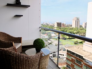 Apartment with view to the Golf of San Isidro, Lima