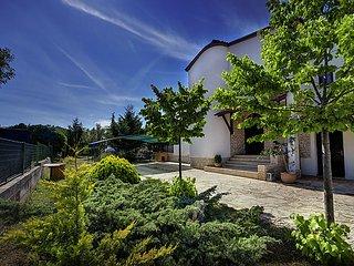 4 bedroom Villa in Stinjan, Istarska Zupanija, Croatia : ref 5060779