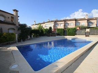 C08 PETRA adosado jardin privado y piscina