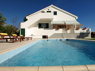 4 bedroom Villa in Zadar, Zadarska Zupanija, Croatia : ref 5061404