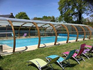 Location de vacances 3 étoiles pour 6 personnes, piscine chauffée, salle de jeux