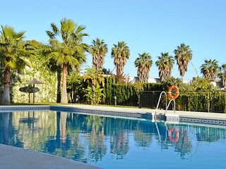 Lovely 2 bed 3 bath Apt. Pool, Golf, Benalmadena