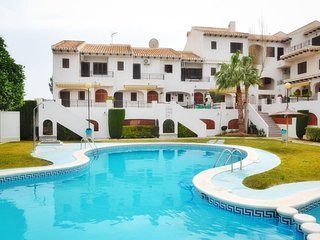 3 Bed House / A/C Thoughout / Wi-Fi / Pool / 5 mins WALK to the Beach Cabo Roig