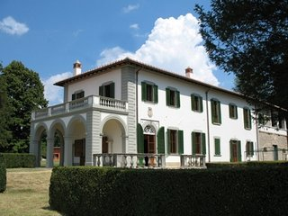 Villa Giotto vacation holiday large villa rental, italy, near florence, tuscany,