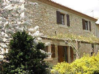 Gite de caractère dans Domaine viticole à 20mn de la Mer et 5mn de Narbonne .