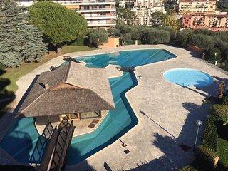 Résidence exceptionnelle de grand standing située sur les hauteurs de Nice