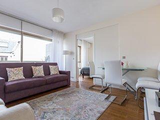 Etoile-Champs-Elysées cosy apartment, Paris