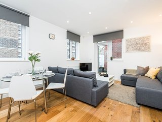Apt 3 - Vibrant Vauxhall, Perfect Base for Sight Seeing - Message me for offers!, London