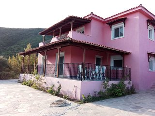 Villa Anemoessa, with private pool. private and airy 3-bedroomed villa, Platanias