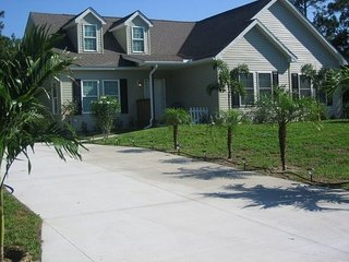 North Port Country Home - Close to Mineral Springs