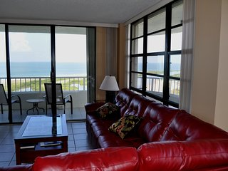 SSNW 1903 T4 Top Floor Beachfront with Year around Sunsets and Panoramic views
