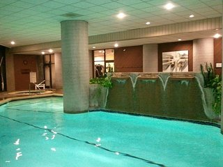 TOP RATED and UPDATED Sugar Top Condo! Sunsets! Indoor Heated Pool & 2 Hot Tubs!