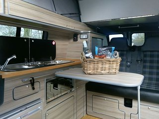 LUXURY VW CAMPERVAN