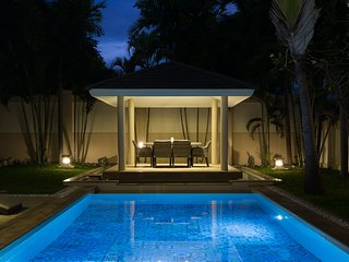 Luxury Private Pool Villa Pattaya/3 Bedrooms 6-8 Persons