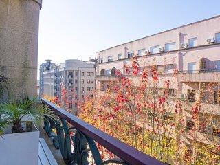 SB1- Fabulous Art Deco living, AC, Elevator, City center