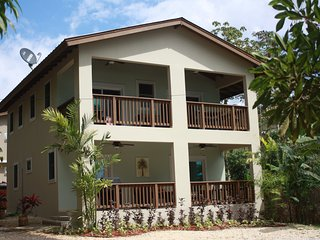 BRAND NEW SLEEPS 4 OR 8 PEOPLE WALK PATH TO BEACH, Rincon