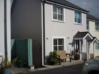 Pretty 3 Bed House with Wi Fi