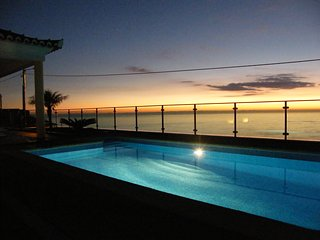 Villa' Estrela do Mar' with stunning view over the Atlantic and Arco da Calheta