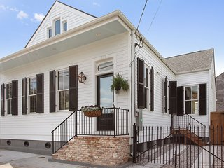 3 blocks from the French Quarter..Historic Treme 4BR/2.5BA Home!