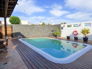 Big pool in two bedrooms villa 1km from Papagayo Beach