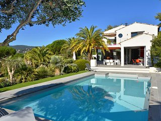 Villa Ariana - Charming 5 Bedroom Villa w/ Swimming Pool and View of the Sea, La Croix Valmer