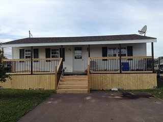 92 BRYDGES ST FULLY FURNISHED 3 BEDROOM NEXT DOOR TO PARLEE BEACH