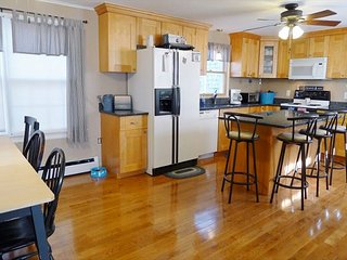5 BEDROOM CHARMER IN SOUTH DENNIS!