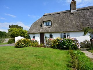 37452 Cottage in Dorchester, Cattistock