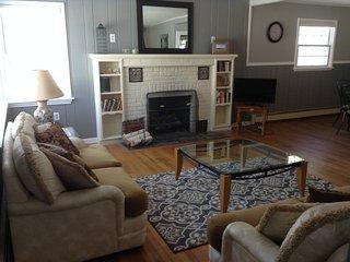 Saratoga Trifecta:  Comfort, Charm, & Convenience!