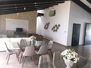 Spectacular Villa & Pool - Sleeps 20, Garden, Private Comunity - CA6B, Cancun