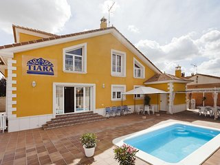 House with private pool, Nava de la Asuncion