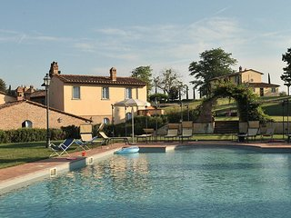 Romantic Tuscany for two at Roses