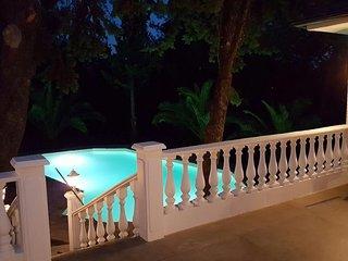 Villa Euphoria, Theológos