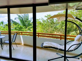 Pattaya cozy suite with private Beach front 2 bedrooms for family of 4, max 6 person.