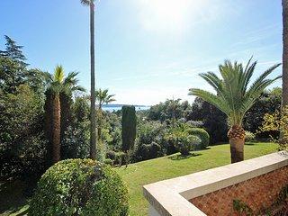 Superbe appartement vue mer dans les hauteurs de Cannes