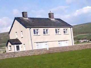 Tyddyn Mawr Farmhouse