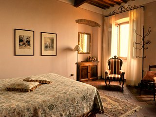 charming room in Tuscany Lucca surroundings