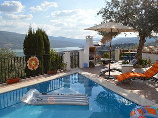 Casa de Ladera Private (4) Bedroom 5 Star Holiday Villa with Fantastic Lake View