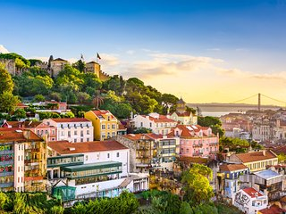 Experience Lisbon, in the roots of Fado.