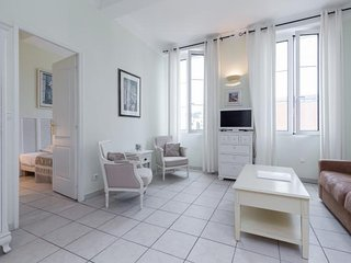 Godiva- Great 1 Bedroom Cannes Vacation Rental