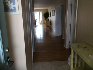Crest Oasis, Ocean view and only steps from Beach, Wildwood Crest